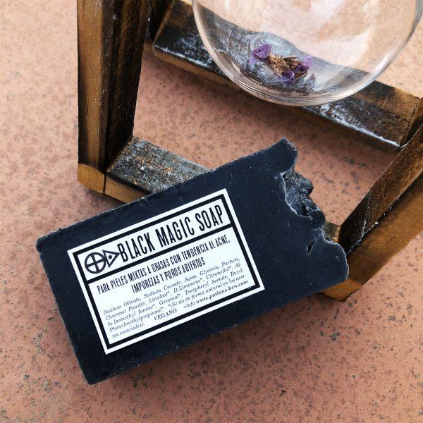 Black Magic Soap - Jabón antiacné vegano de carbón activado. Potions BCN