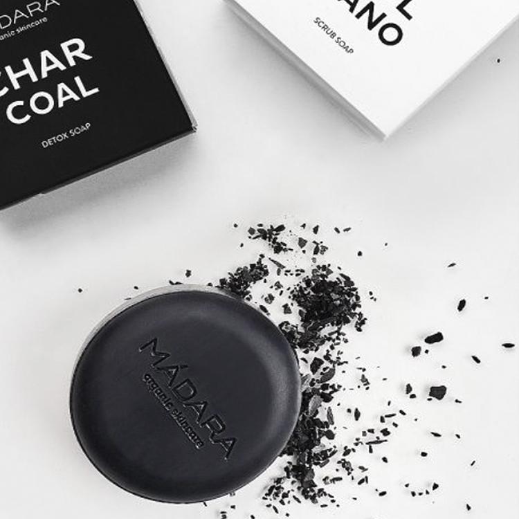 Charcoal Mádara - Jabón sólido corporal detox con carbón activado