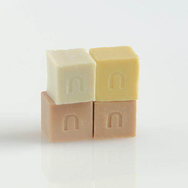 Inuit Mini Soaps Golden Box - Potions BCN